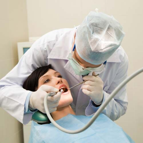 CLÍNICA DENTAL VARSOVIA – Implantología
