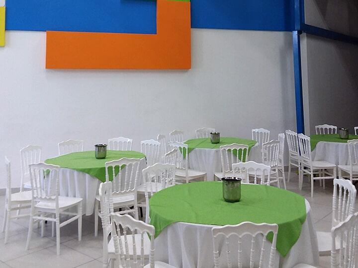 SALÓN VALEVIC SALÓN DE FIESTAS-mesas y sillas para niños