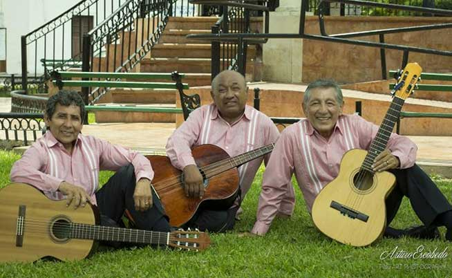 TRIO LOS 3 YUCATECOS - Serenatas