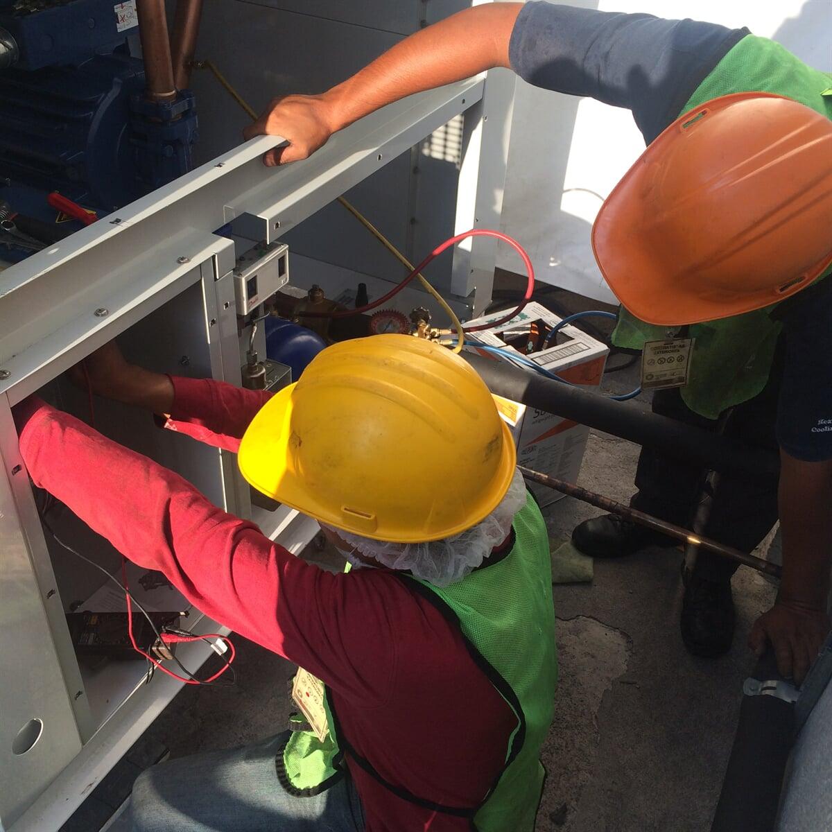 TECNOAIRE SISTEMAS Y EQUIPOS HVAC - Equipos instalados de azotea