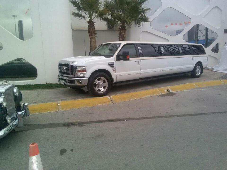 CLASS LIMOU RENT – LIMOUSINES HUMMER LIMO