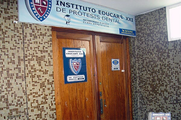 INSTITUTO EDUCARE XXI - ESCUELA DE PRÓTESIS DENTAL