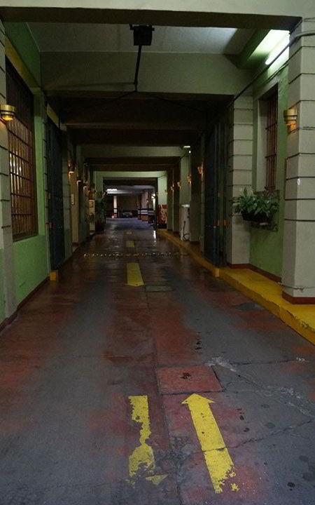 HOTEL COLONIAL - Estacionamiento
