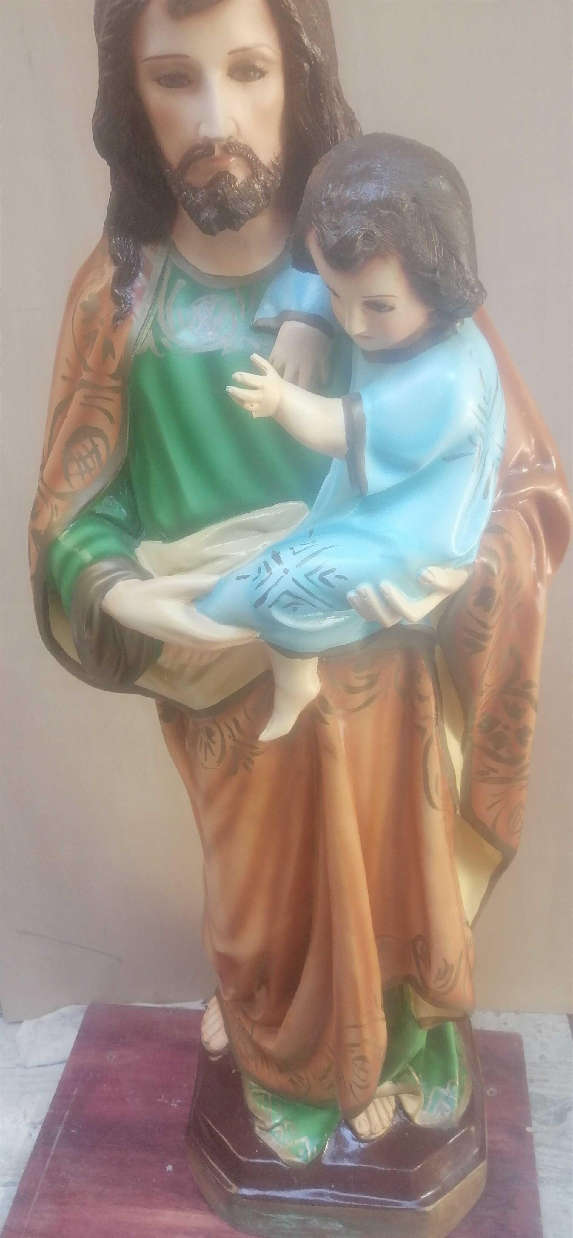 """FUNDICIÓN DE CAMPANAS Y ARTÍCULOS RELIGIOSOS """"EL SEÑOR DE LA CAPILLA"""" - Imagen de san jose  Imagen de san jose con niño de fibra de vidrio con alabastro decorado"""