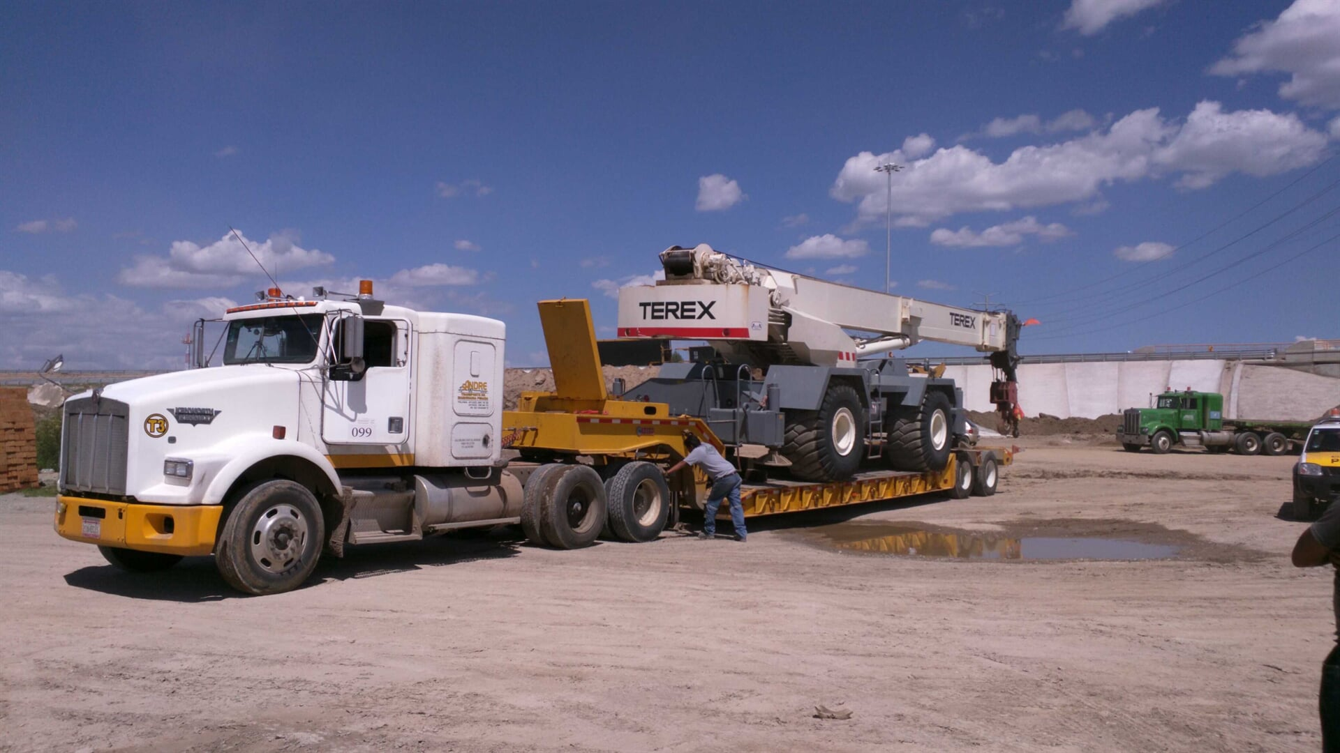 SANDRE TRANSPORTE DE MAQUINARIA - ideal para traslado de cargas