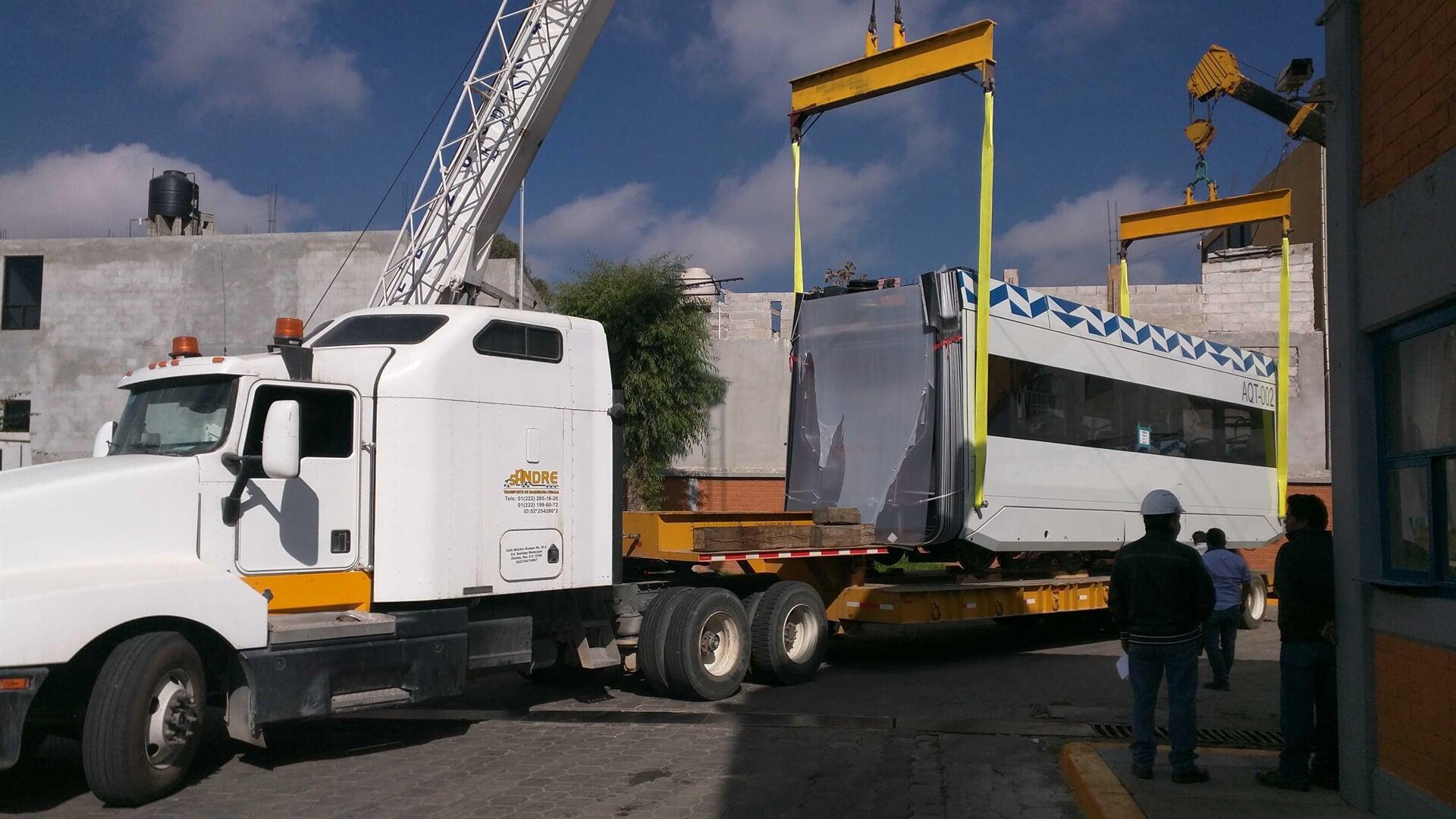SANDRE TRANSPORTE DE MAQUINARIA - flotilla de Plataformas Lowboy
