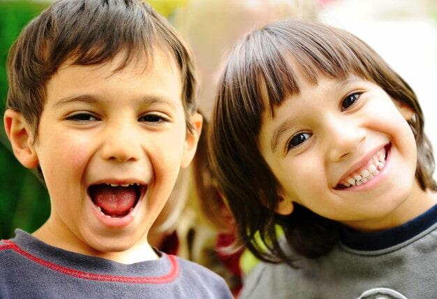 DR. VICTOR MANUEL DÍAZ ÁLVAREZ - Sonrisa de niños