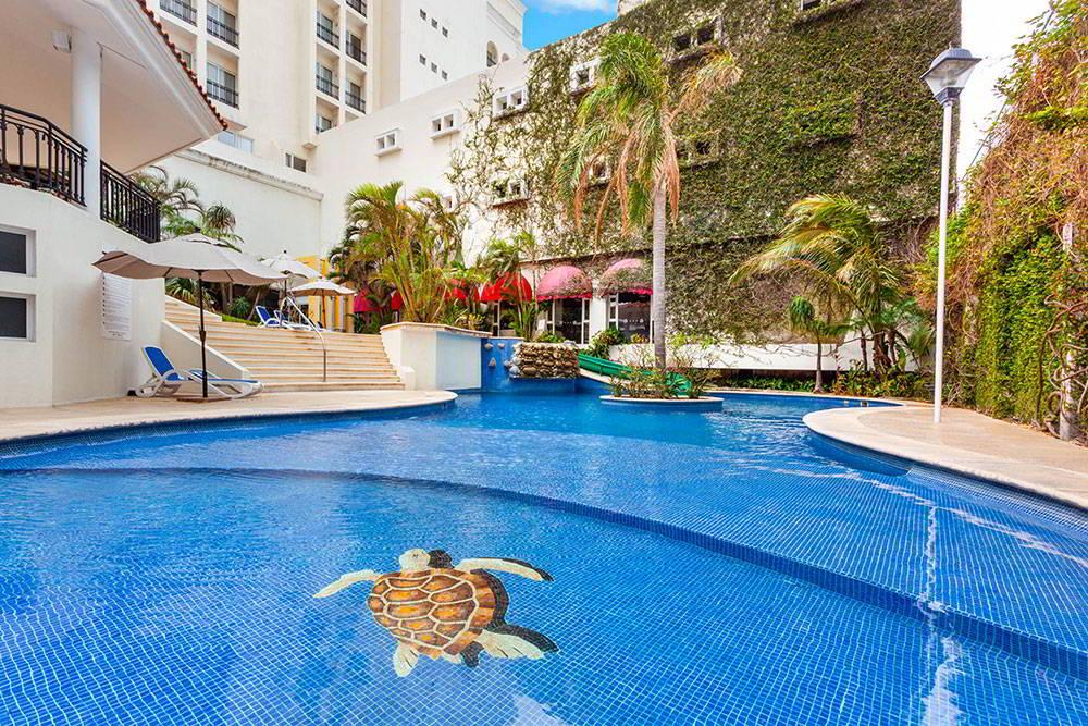 HOTEL RAMADA PLAZA BY WYNDHAM VERACRUZ BOCA DEL RÍO - Alberca