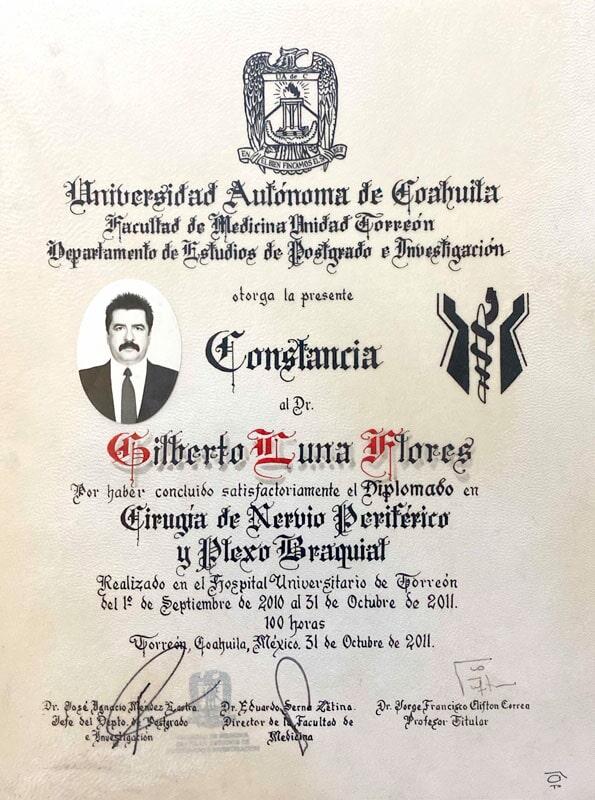 DR GILBERTO LUNA FLORES - Título de médico